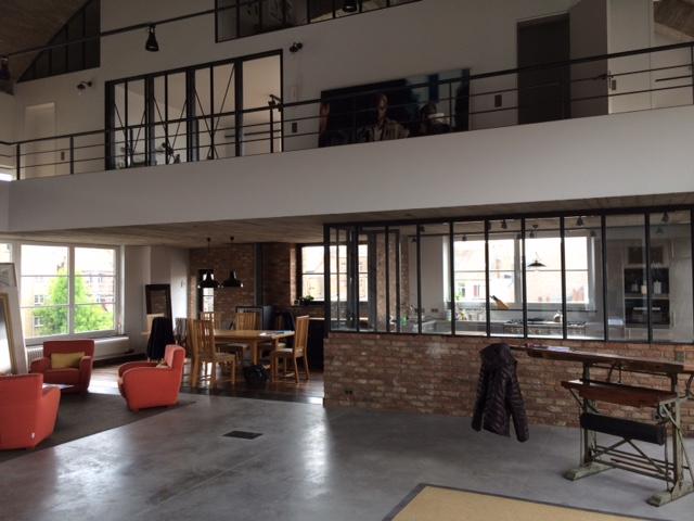 Des cloisons vitrées pour un loft Bruxellois